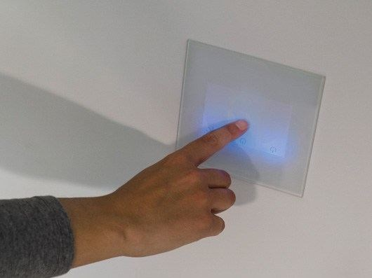 Touch glass and aluminium wiring accessories with LED lights STILE NEXT 506E MULTITOUCH by Lombardo