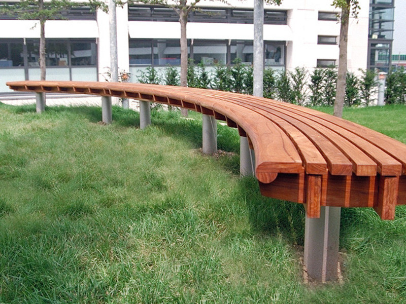 Curved backless wooden Bench SCROLL | Curved Bench by Factory Furniture