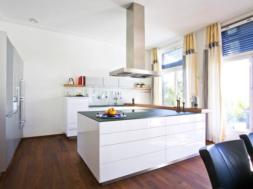 Lacquered fitted kitchen with island B3 | Lacquered kitchen by Bulthaup