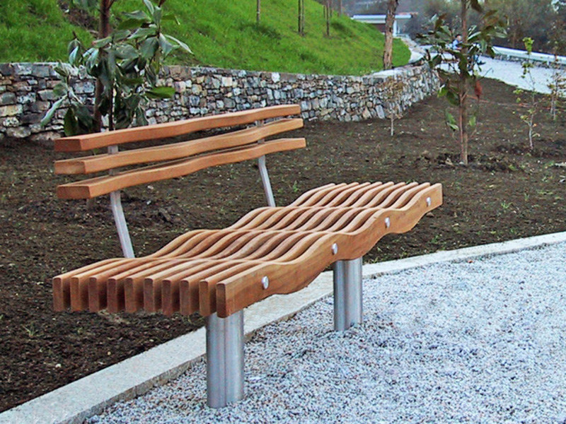 Wooden Bench with back SERPENTINE | Bench with back by Factory Furniture