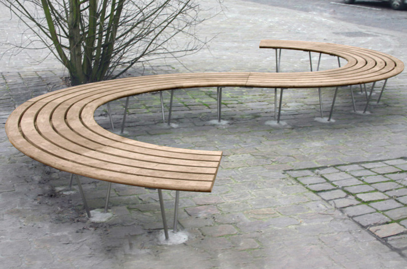 Curved wooden Bench SINU 72° by Factory Furniture