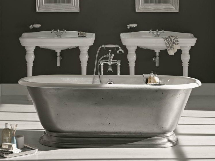 Freestanding bathtub SHABBY by BLEU PROVENCE