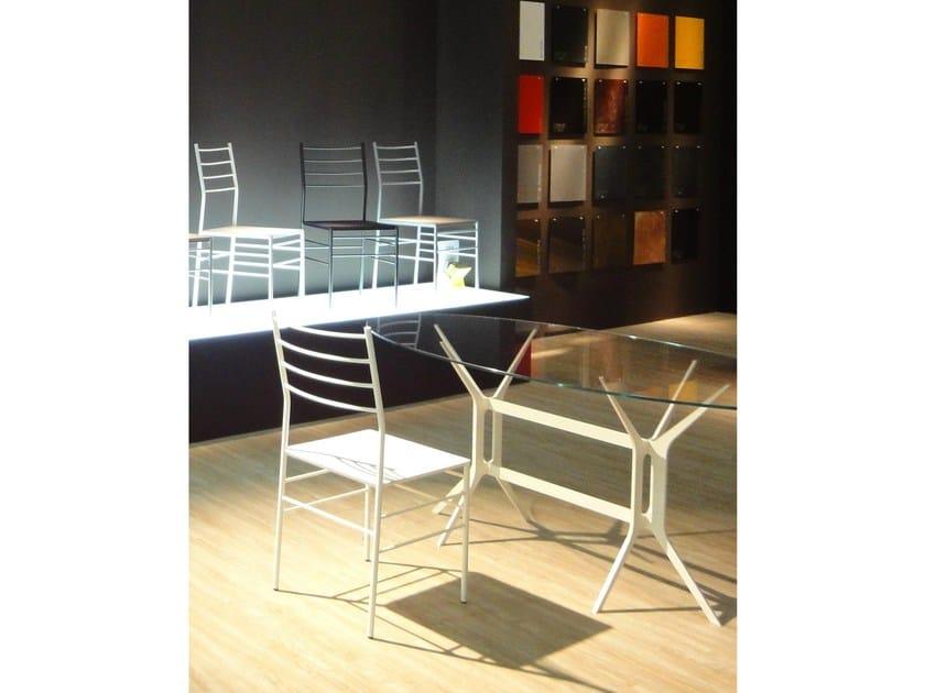Arabesque tavolo ovale by ydf design basaglia rota nodari alberto basaglia natalia rota nodari - Tavolo cristallo ovale ...