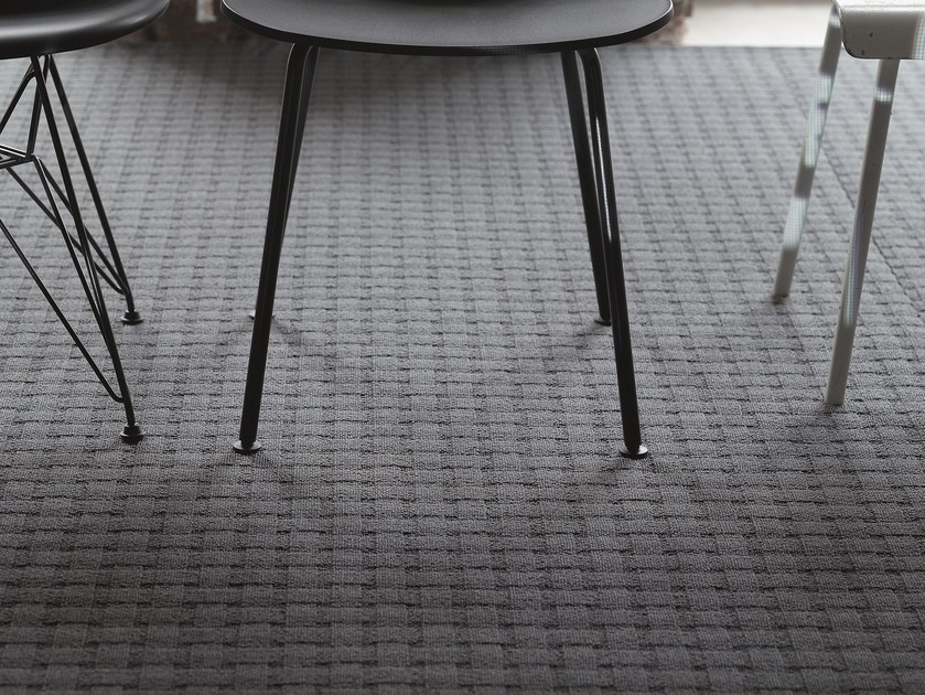 Carpeting with geometric shapes SPLENDIDO 1000 by OBJECT CARPET GmbH