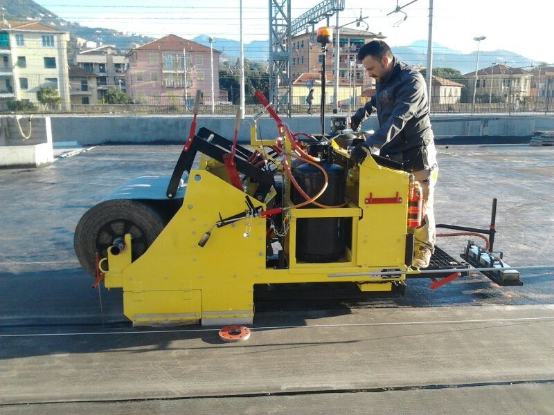 Special machinery for construction sites EASY-MAX by Derbigum