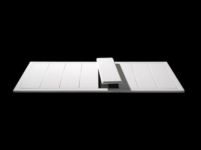 Slatted Corian® shower tray LINE 25 by RIFRA
