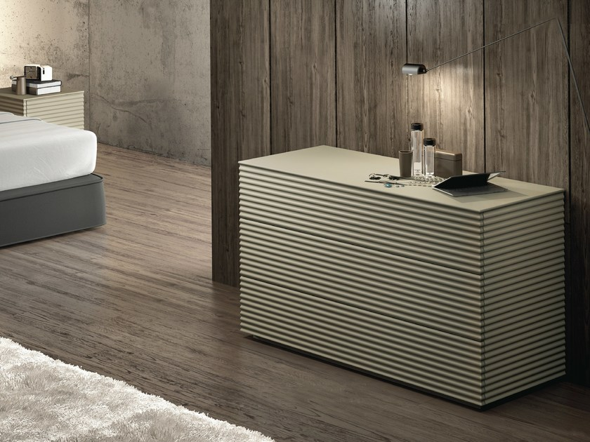Lacquered chest of drawers OLA | Chest of drawers by RIFLESSI