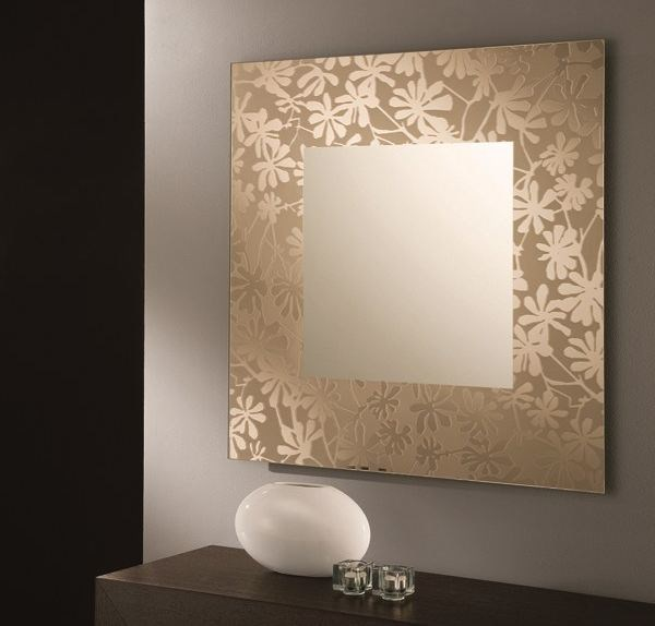 Square wall-mounted mirror DIVA by RIFLESSI