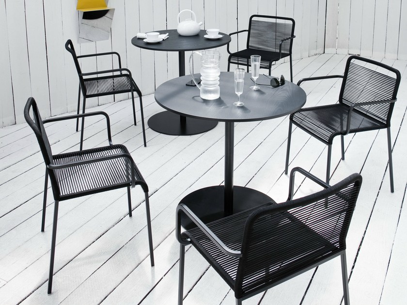 Polyester garden chair with armrests ARIA | Garden chair with armrests by Lapalma