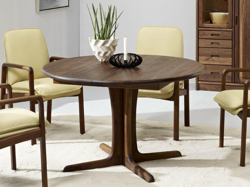 Extending wooden table 9276 | Table by Dyrlund