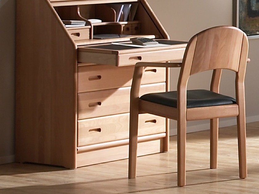 Wooden chair with armrests 1598A | Chair with armrests by Dyrlund
