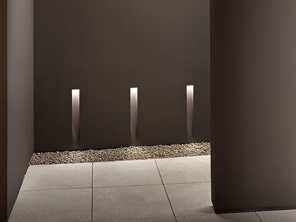 LED wall-mounted aluminium steplight VERTICAL LIGHT SMALL by FLOS