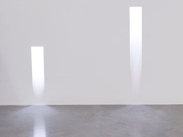 Segnapasso a LED a parete in alluminio VERTICAL LIGHT LARGE by Flos