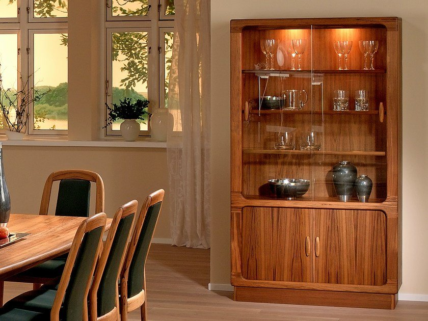 Wooden highboard with doors 7896 | Highboard by Dyrlund