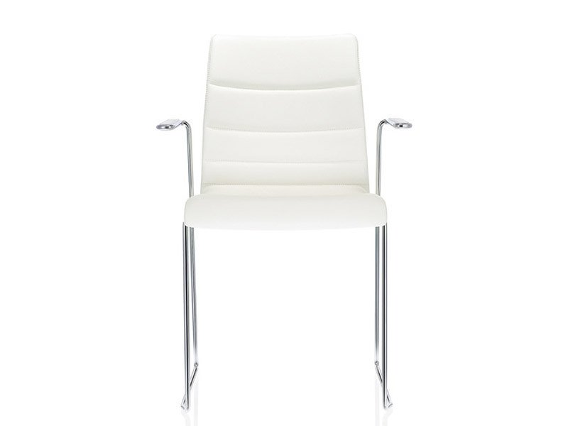 Sled base leather visitor's chair with Armrests FINA | Sled base visitor's chair by Brunner