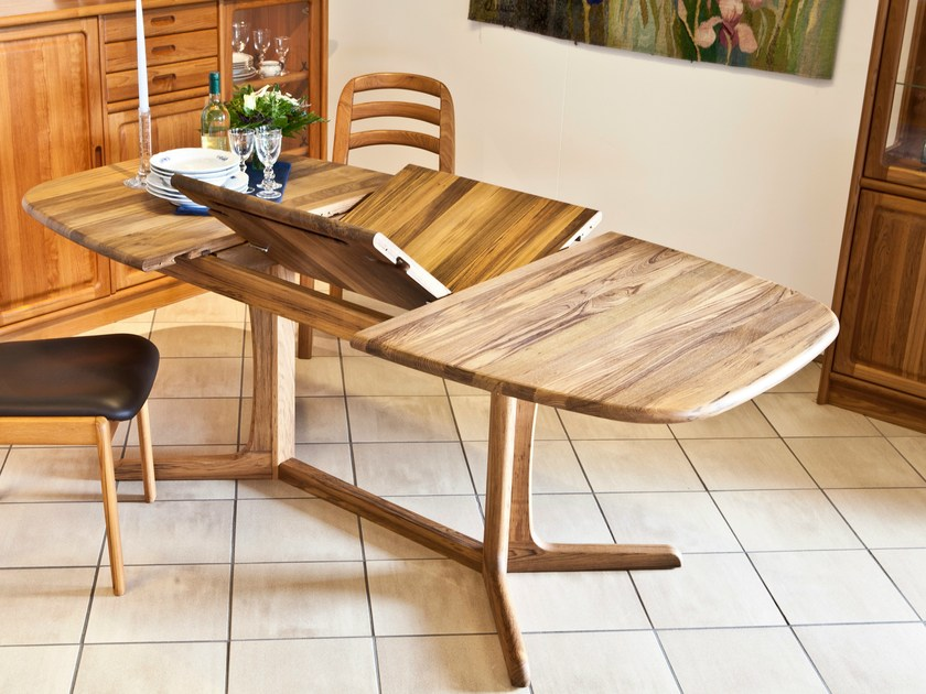 Wooden table 9224C | Table by Dyrlund