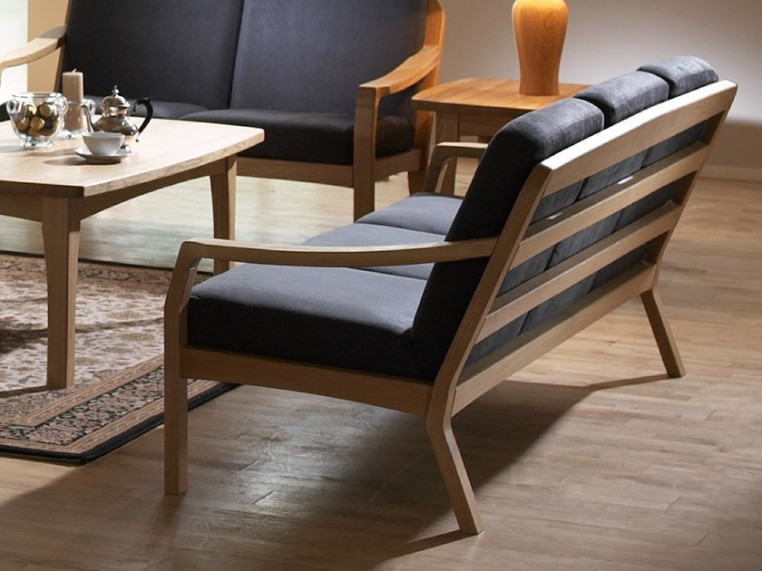 3 seater wooden sofa 1260K | 3 seater sofa by Dyrlund