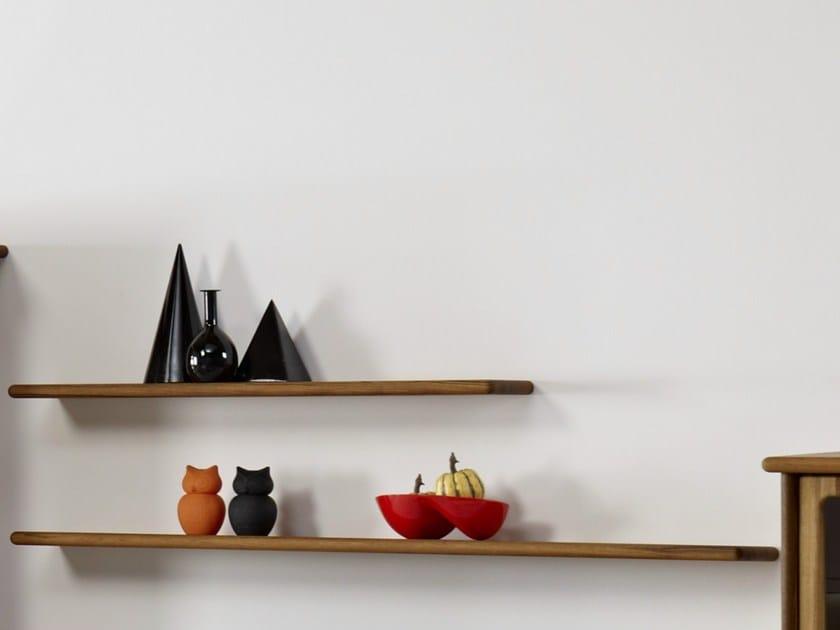 Wooden wall shelf 1176 | Wall shelf by Dyrlund