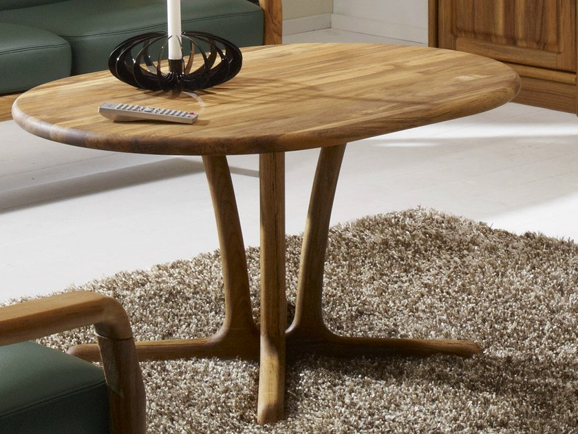 Oval wooden coffee table 9257 | Coffee table by Dyrlund