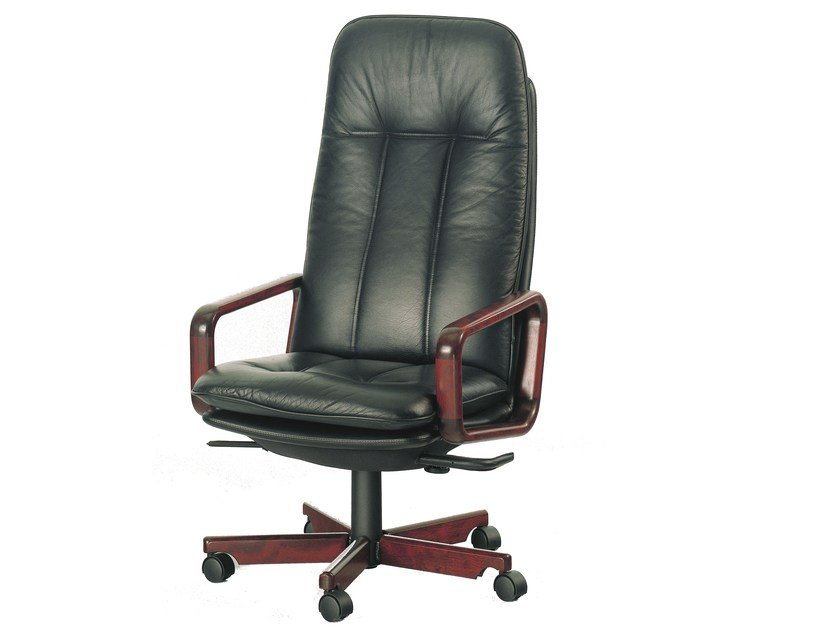 Executive chair with 5-star base 8997W | Executive chair by Dyrlund