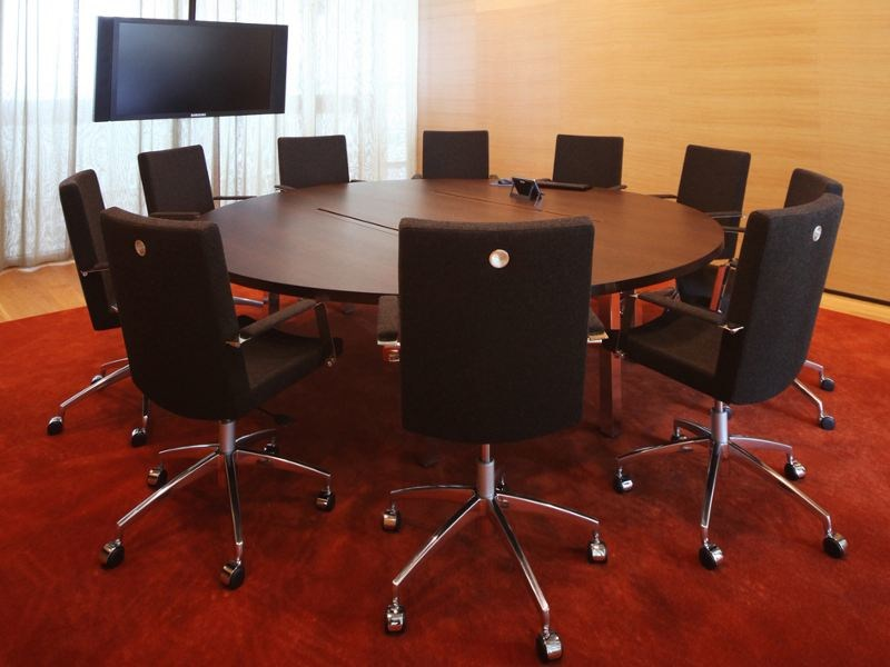 Modular round meeting table IN-TENSIVE | Round meeting table by Inno
