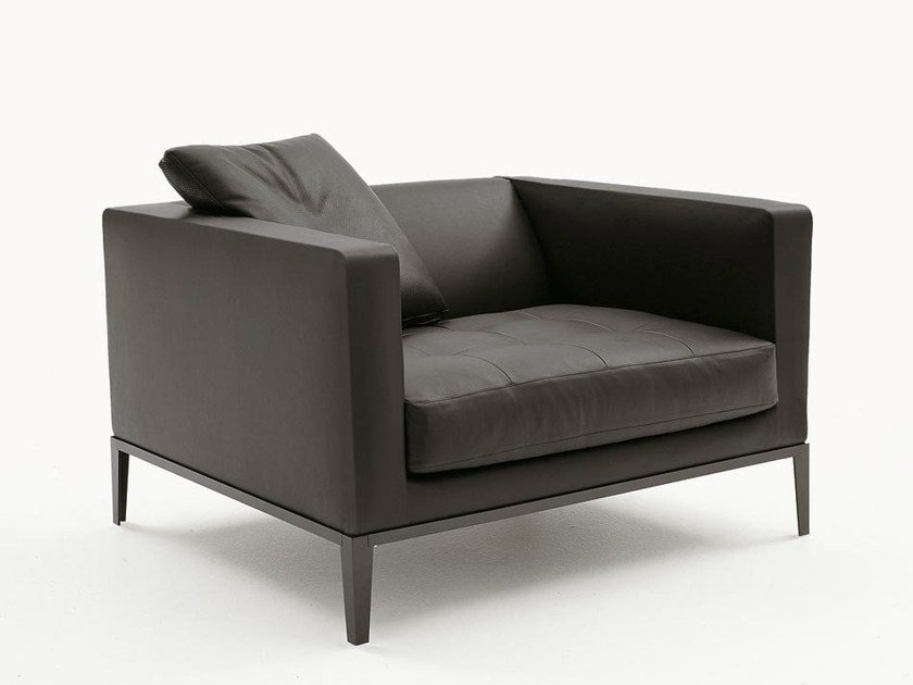 Upholstered leather armchair with armrests SIMPLICITER | Armchair by Maxalto