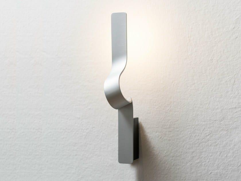 Applique a LED in alluminio TAPE | Lampada da parete by Formagenda