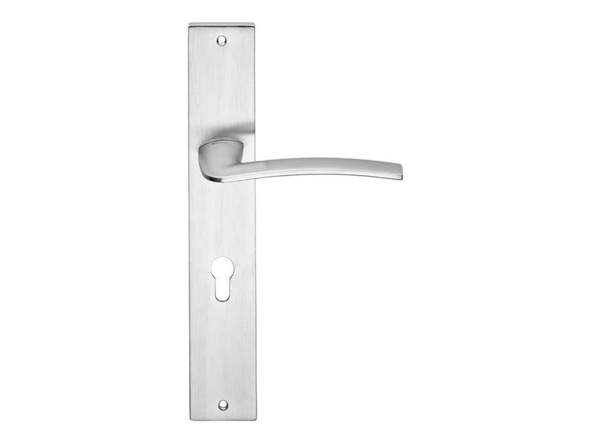 Chromed brass door handle on back plate ALA | Door handle on back plate by LINEA CALI'
