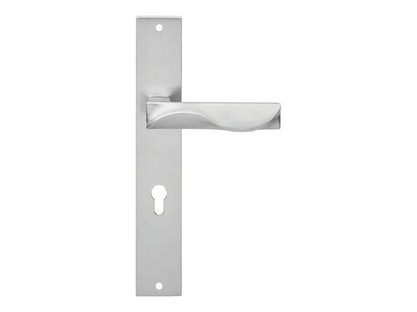 Chromed brass door handle on back plate DUNE | Door handle on back plate by LINEA CALI'