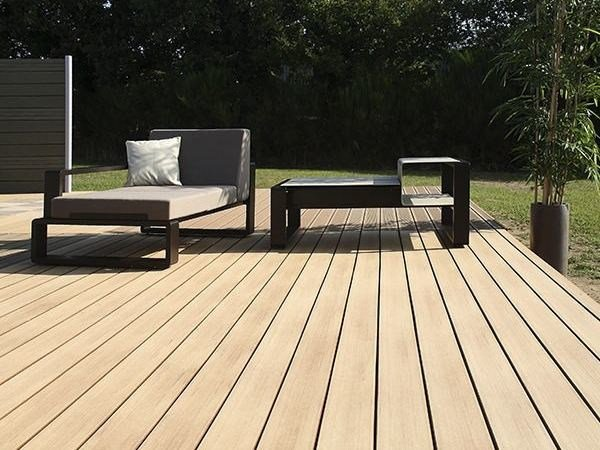 parquet ext rieur en bois composite terrasse emotion lisse by silvadec. Black Bedroom Furniture Sets. Home Design Ideas