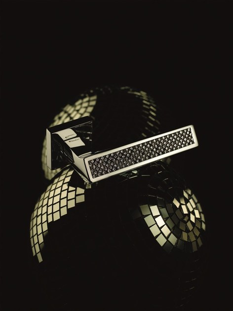 RIFLESSO BLACK | Maniglia con bocchetta