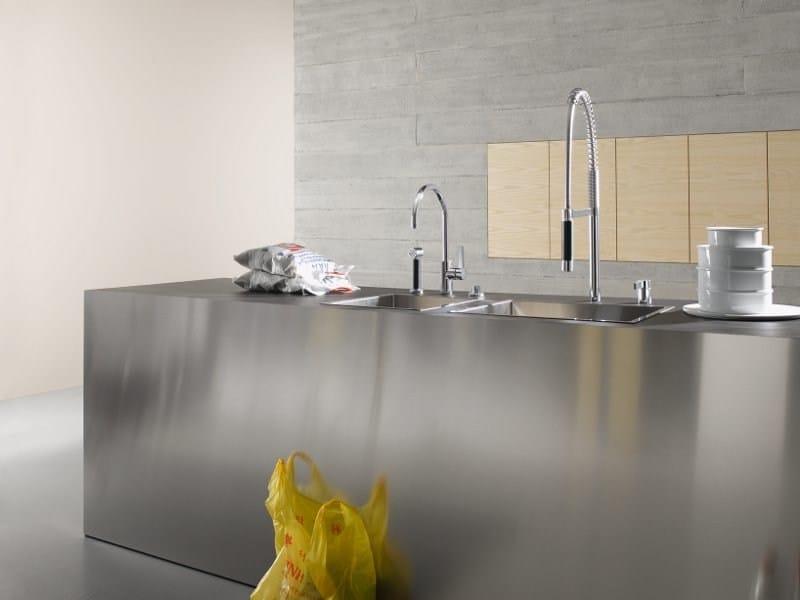 Kitchen tap with spray TARA ULTRA by Dornbracht