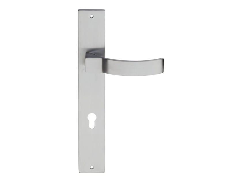 Chromed brass door handle on back plate ELIOS | Door handle on back plate by LINEA CALI'