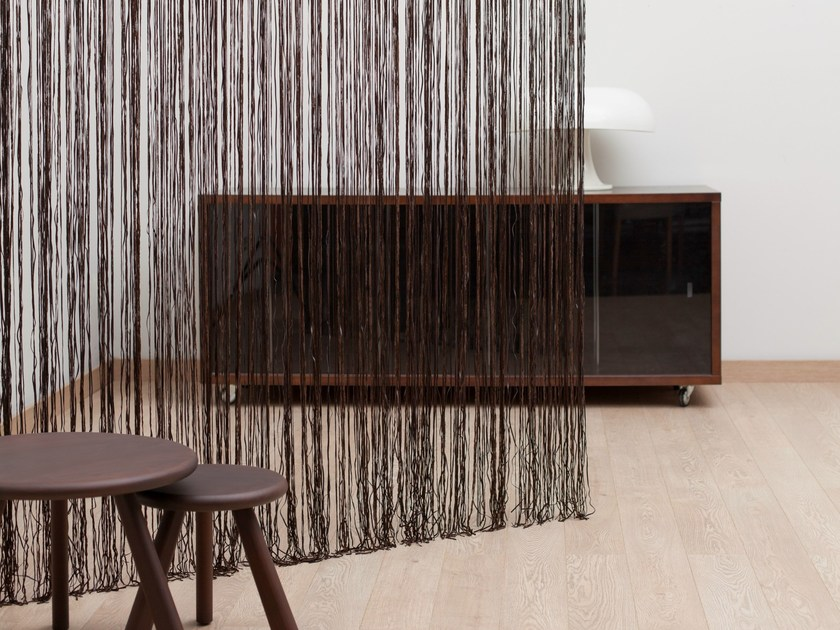 Polyester chain curtain DYLAN by Equipo DRT