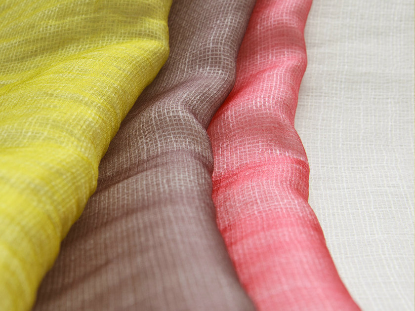 Solid-color polyester fabric for curtains CALIOPE by Equipo DRT