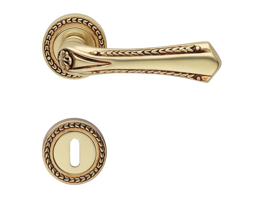 Chromed brass door handle on rose with lock SISSI | Door handle on rose by LINEA CALI'