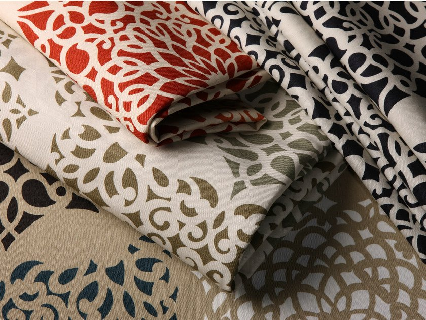 Printed fabric with graphic pattern SYMI by Equipo DRT