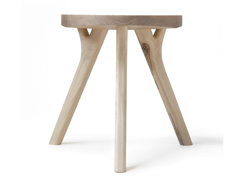 Low wooden stool AUGUST by Nikari