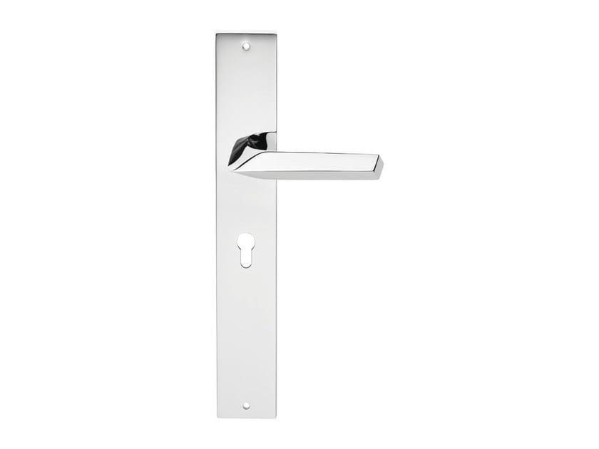 Chromed brass door handle on back plate ROMBO   Door handle on back plate by LINEA CALI'