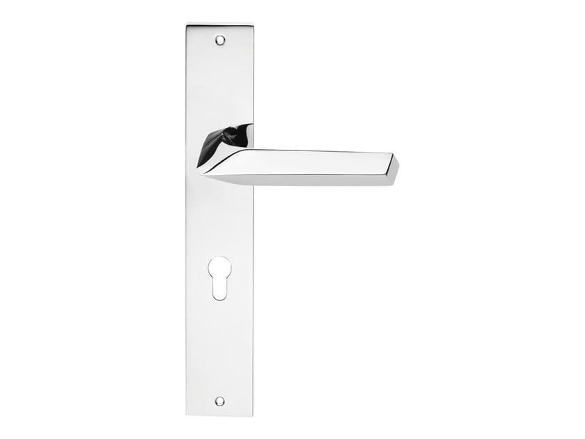 Chromed brass door handle on back plate ROMBO | Door handle on back plate by LINEA CALI'