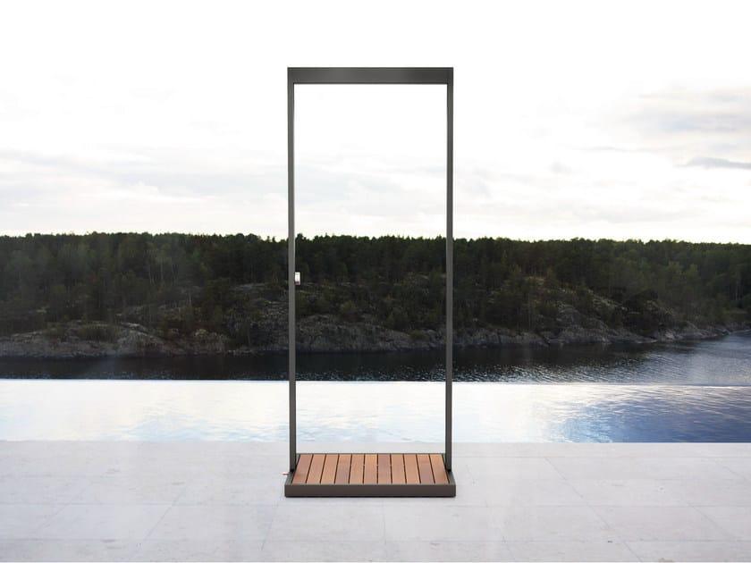 Iron outdoor shower GARDEN | Outdoor shower by Röshults