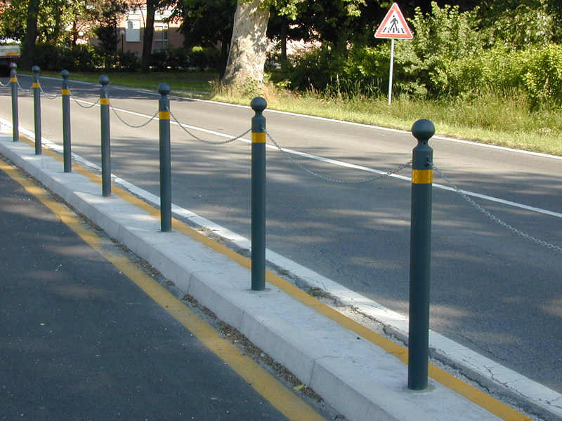 Bollard post with base plate BIT 500 by SMEC