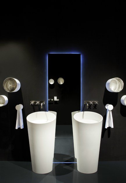 HI-MACS® per bagno RIFRA 'Smooth' - Fabrication: Dform - Photo Credits: Tiziana Arici