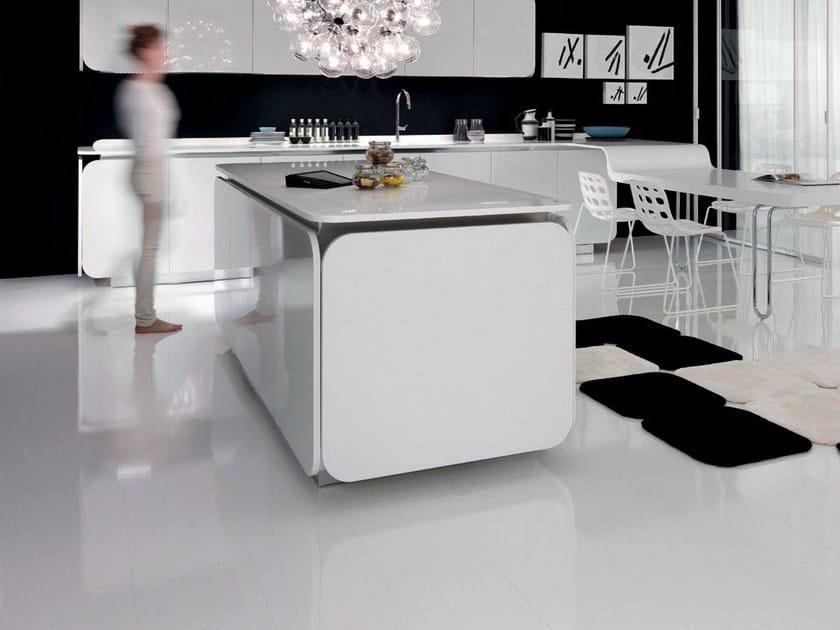 HI-MACS® per top cucina Kitchen IT-IS – Produttore: Euromobil – Design: Simone Micheli