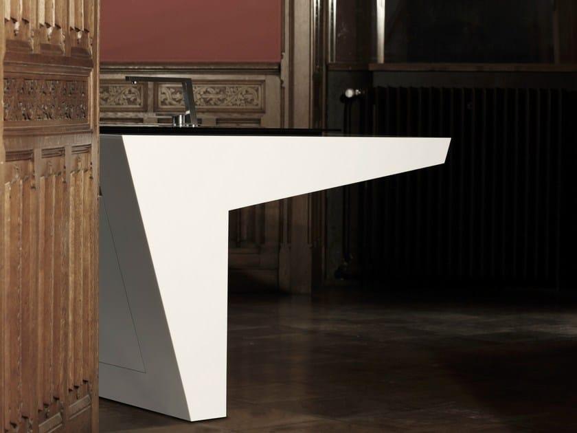 HI-MACS® per top cucina Paxmann.Design - Germania. HI-MACS® - Produttore: Rosskopf + Partner AG, Germania. Fotografo: Peter Bender, copyright Paxmann.Design