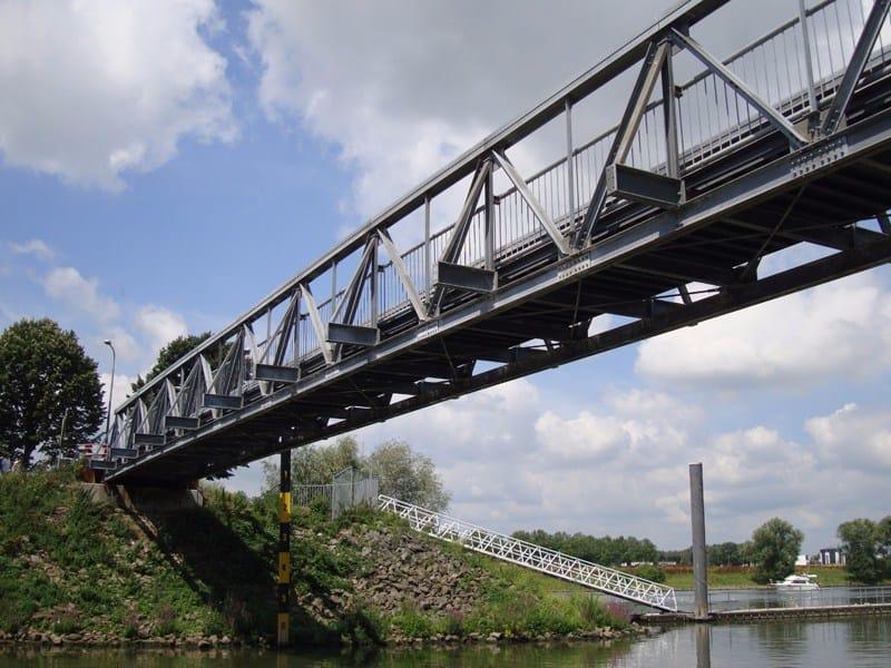 JANSON PEDESTRIAN BRIDGES