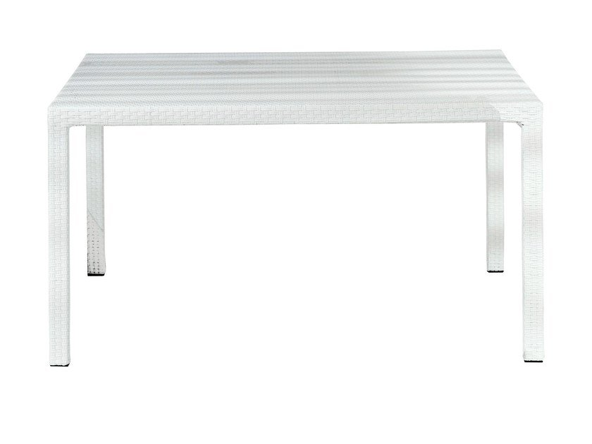 Square dining table INOUT 231 by Gervasoni