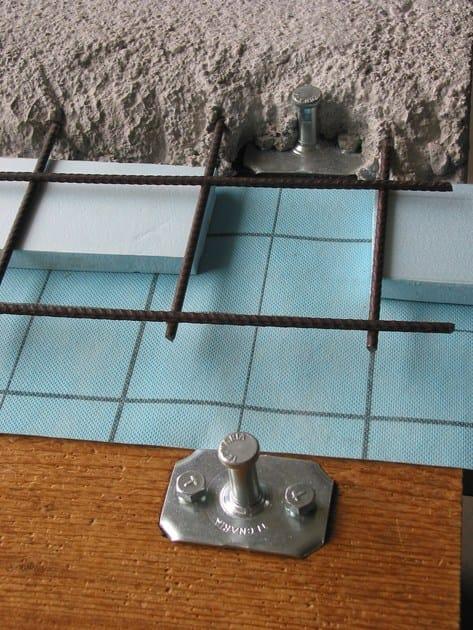 Connettore CTL MAXI su assito con isolante interposto