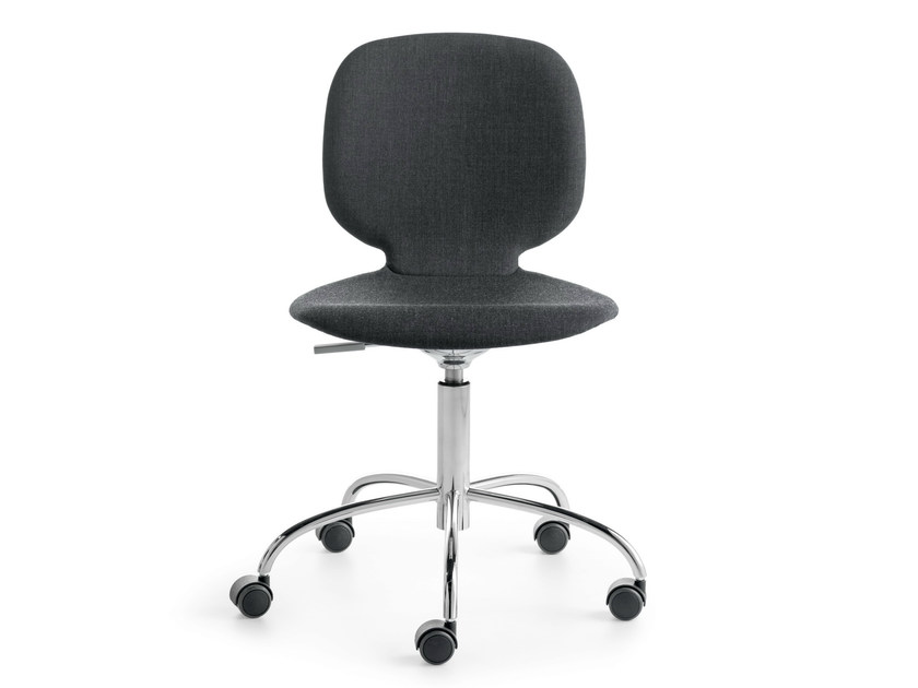 Height-adjustable swivel task chair with 5-Spoke base ALIS R | Task chair by Crassevig
