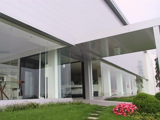 Ventilated facade MODUL 25 by CENTROMETAL